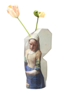 Paper-Vase-Cover-Milkmaid